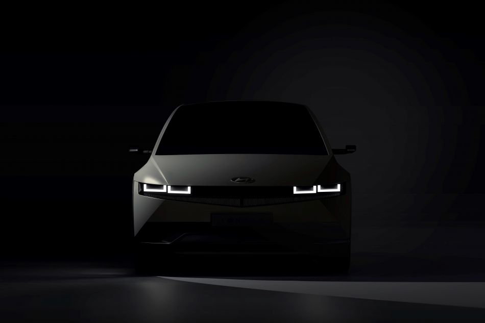 Серийный электромобиль Hyundai: сходства и различия с концептом
