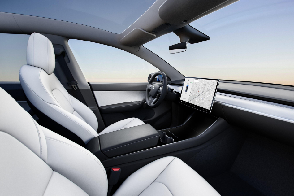 Компактный кроссовер Tesla Model Y