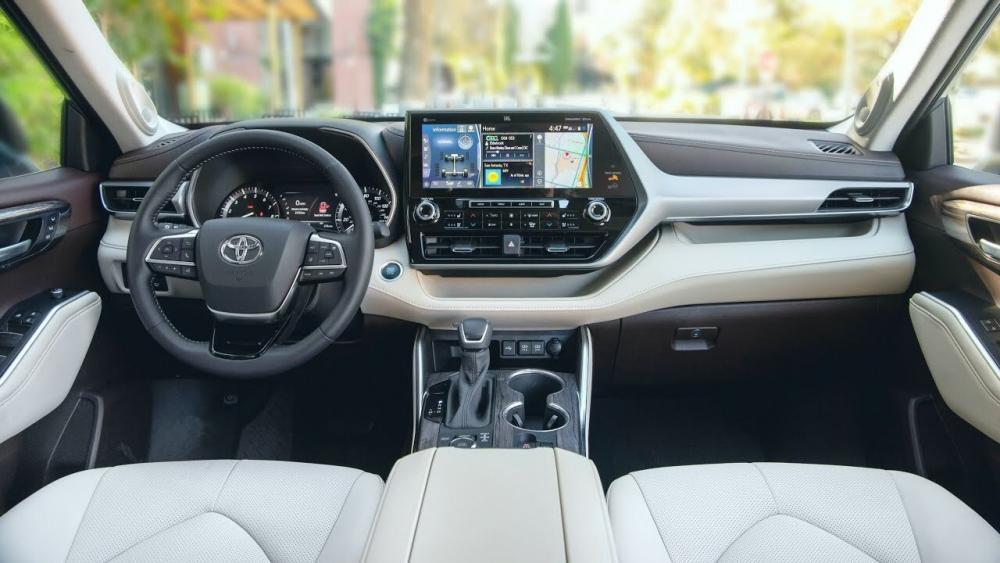 Toyota Highlander интерьер