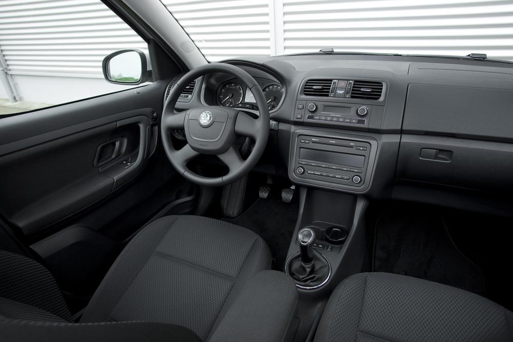 Skoda Roomster 1 поколение [рестайлинг] (2010-2013) Минивэн 5-дв. интерьер