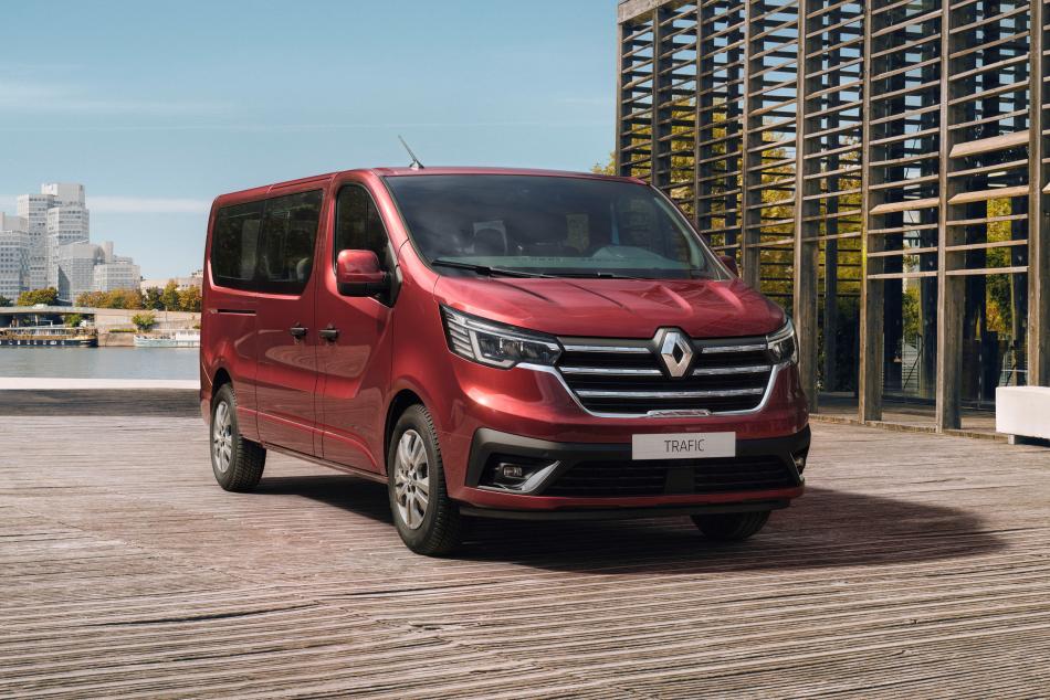 Renault Trafic стал солиднее в честь юбилея
