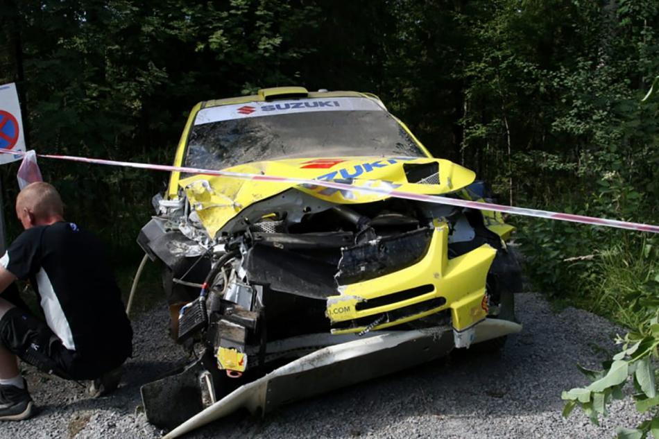 разбитая Suzuki SX4 WRC