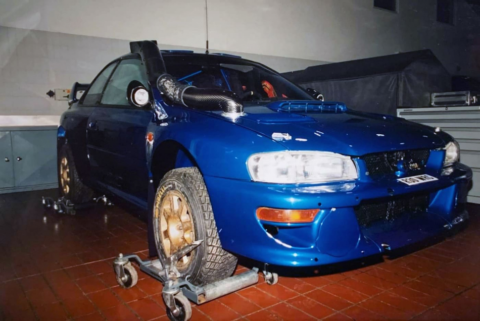 Subaru Impreza WRC с госномером R30 WRC