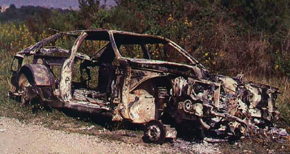 сгоревший Audi Quattro Ханну Микколы на ралли «Санремо» 1983 года