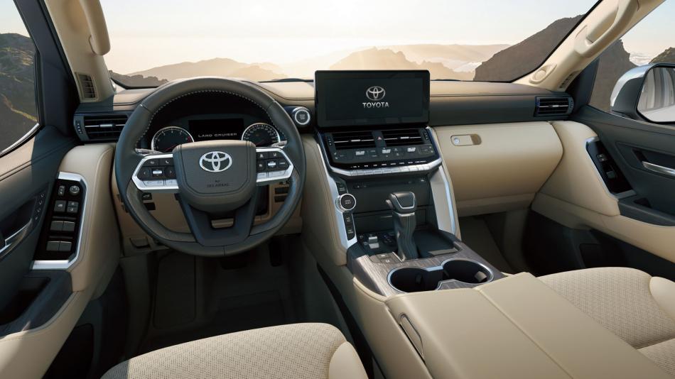 новый Toyota Land Cruiser 300