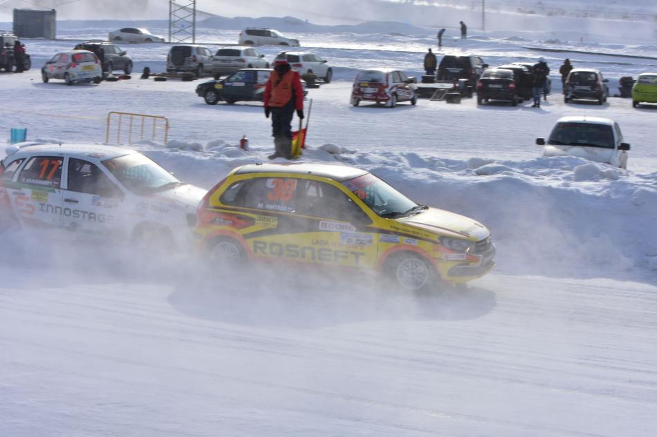 Зимние трековые гонки в Тольятти 2021