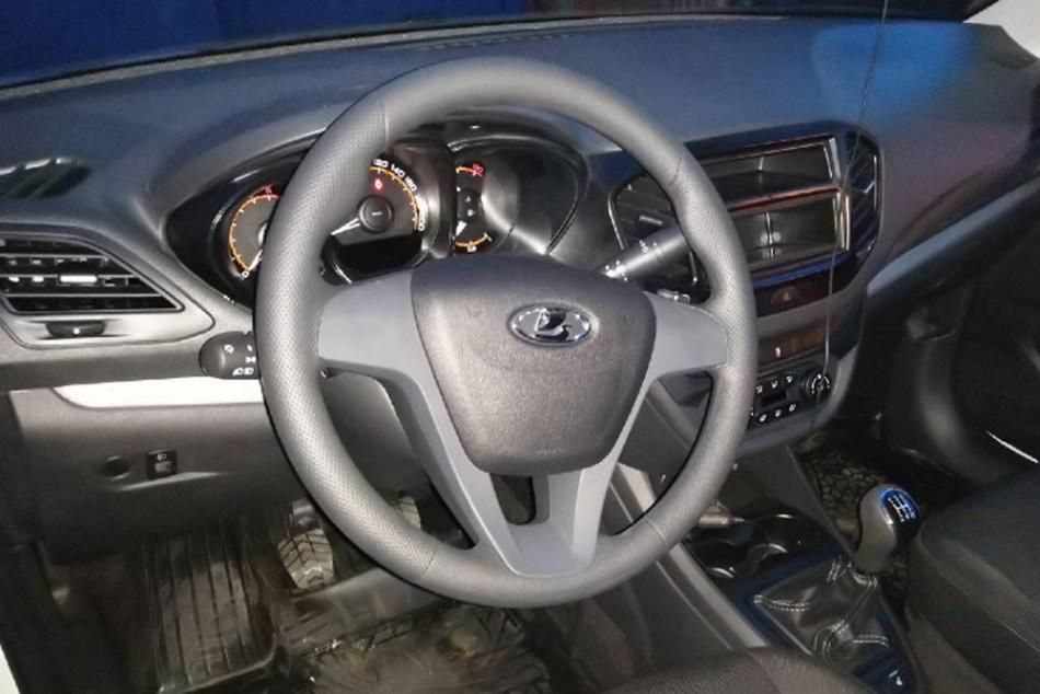 АвтоВАЗ упростил и удешевил Lada Vesta