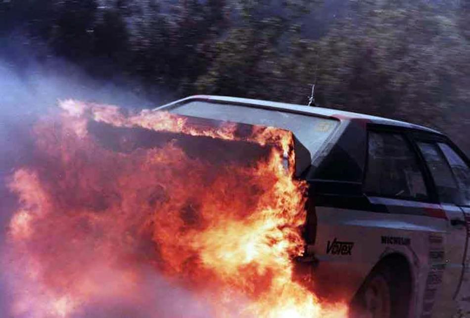 пожар на Audi Quattro Ханну Микколы на ралли «Санремо» 1983 года