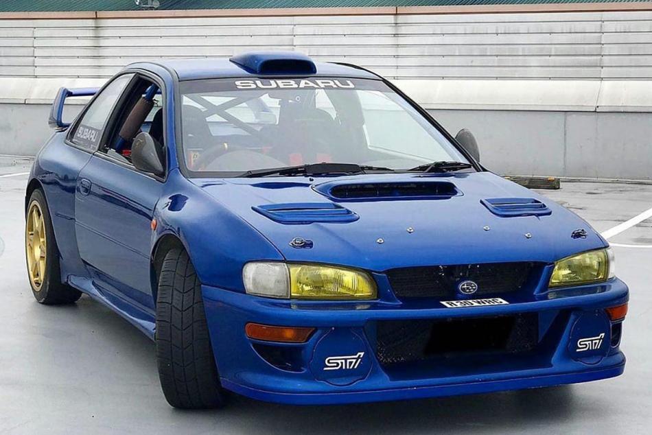 Subaru Impreza WRC с госномером «R30 WRC»