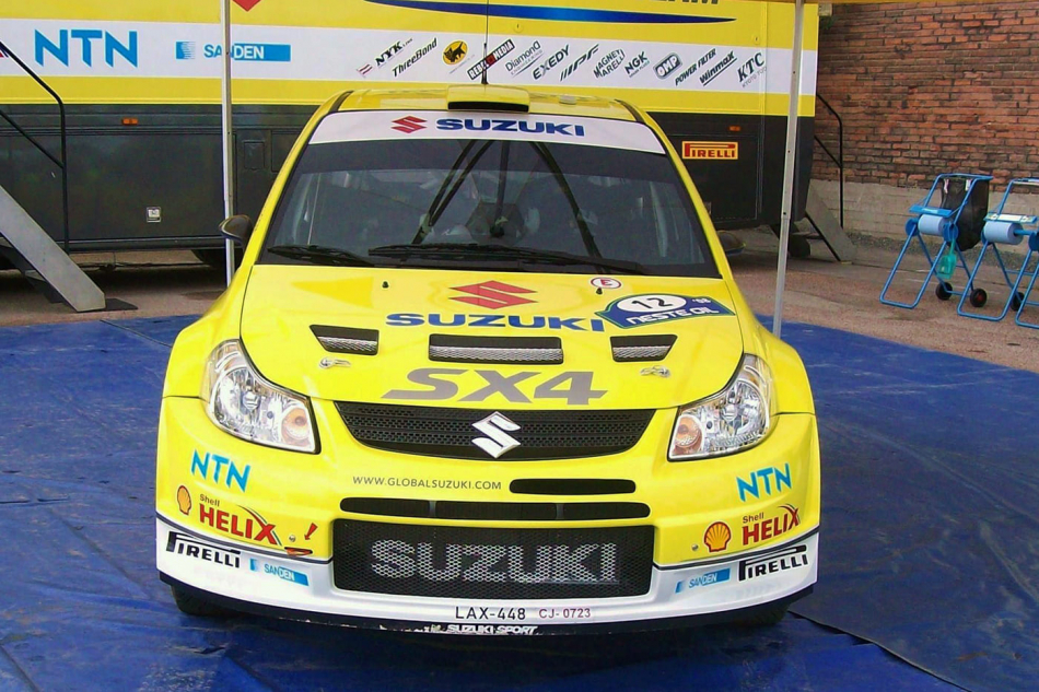раллийная Suzuki SX4 WRC