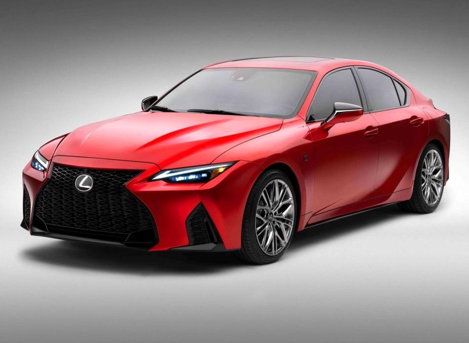 Lexus IS вернул себе честный V8