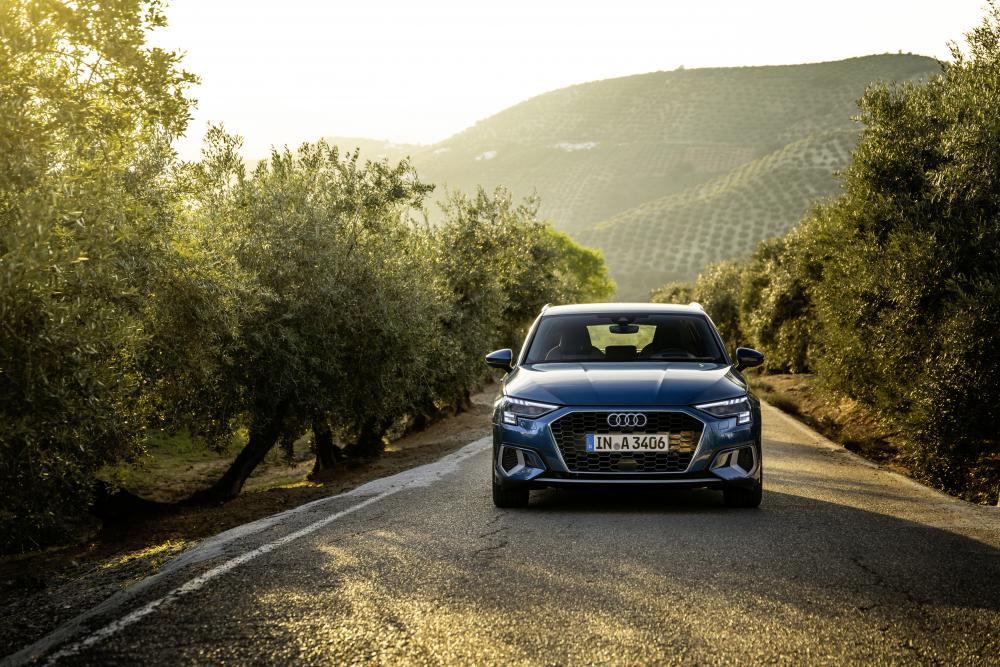 Audi A3 4 поколение (8Y) (2020) Хэтчбек 5 дв. Sportback