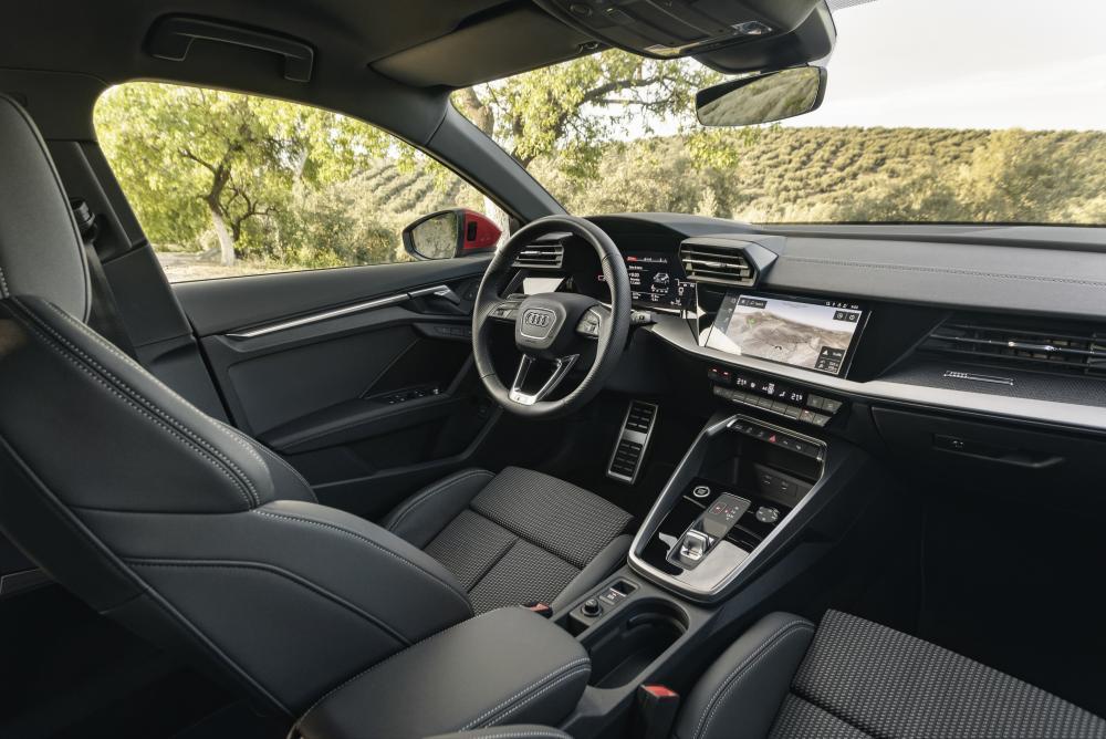 Audi A3 4 поколение (8Y) (2020) Хэтчбек 5 дв. Sportback интерьер