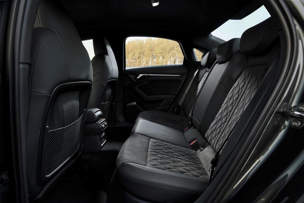 Audi A3 4 поколение (8Y) (2020) Седан интерьер