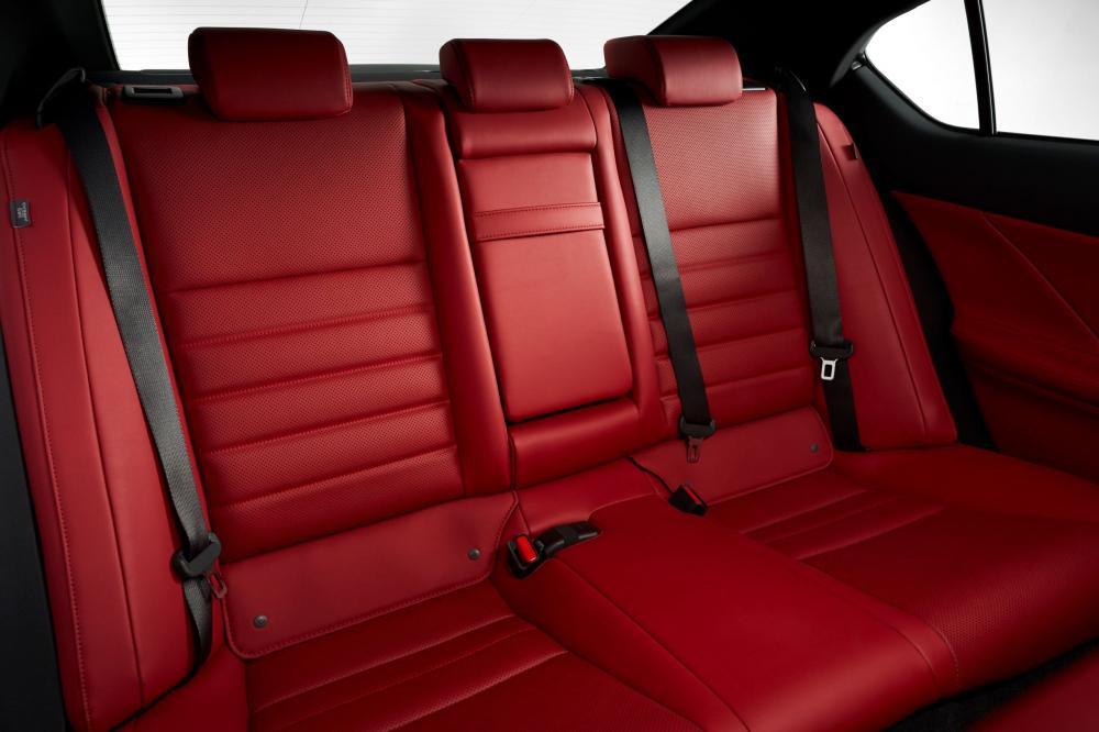 Lexus IS 4 поколение (2020) Седан интерьер