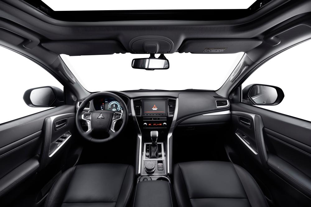 Mitsubishi Pajero Sport 3 поколение [рестайлинг] (2020) Внедорожник 5 дв. интерьер