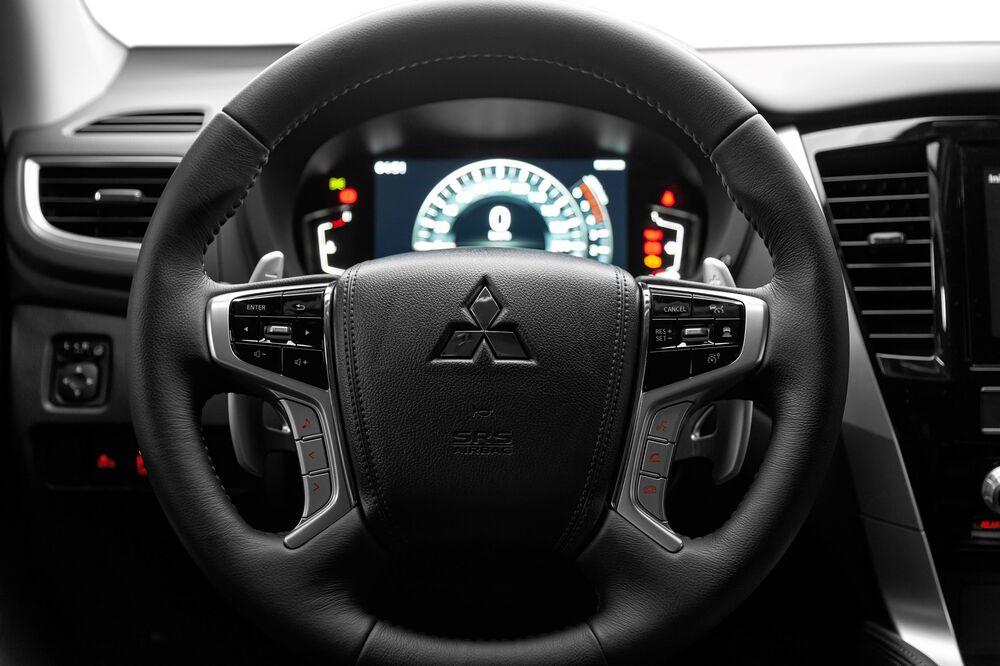 Mitsubishi Pajero Sport 3 поколение [рестайлинг] (2020) Внедорожник 5 дв. торпедо