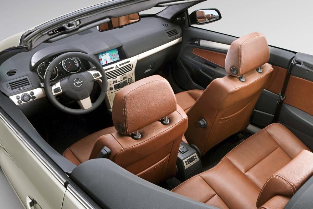 Opel Astra 3 поколение H (2006-2010) Кабриолет интерьер