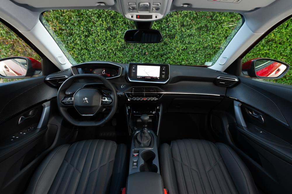 Peugeot 2008 2 поколение (2019) Внедорожник 5 дв. интерьер