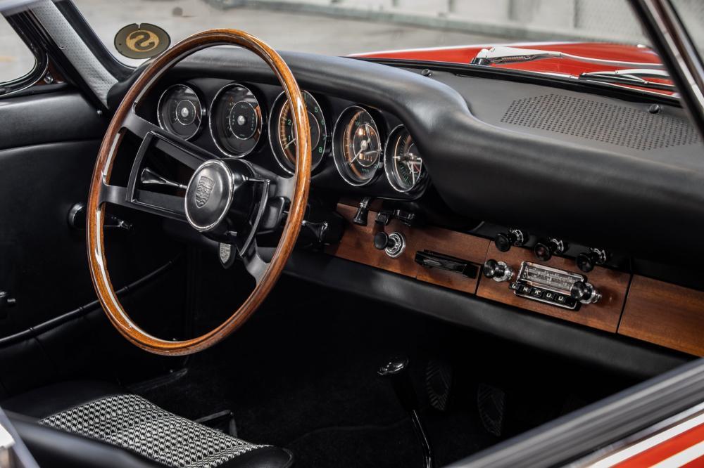 Porsche 911 1 поколение 901 (1963-1973) Купе интерьер