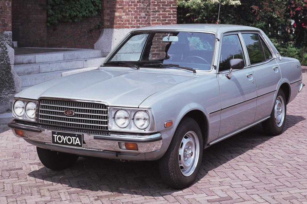 Toyota Corona 5 поколение T100, T110, T120 (1973-1979) Седан