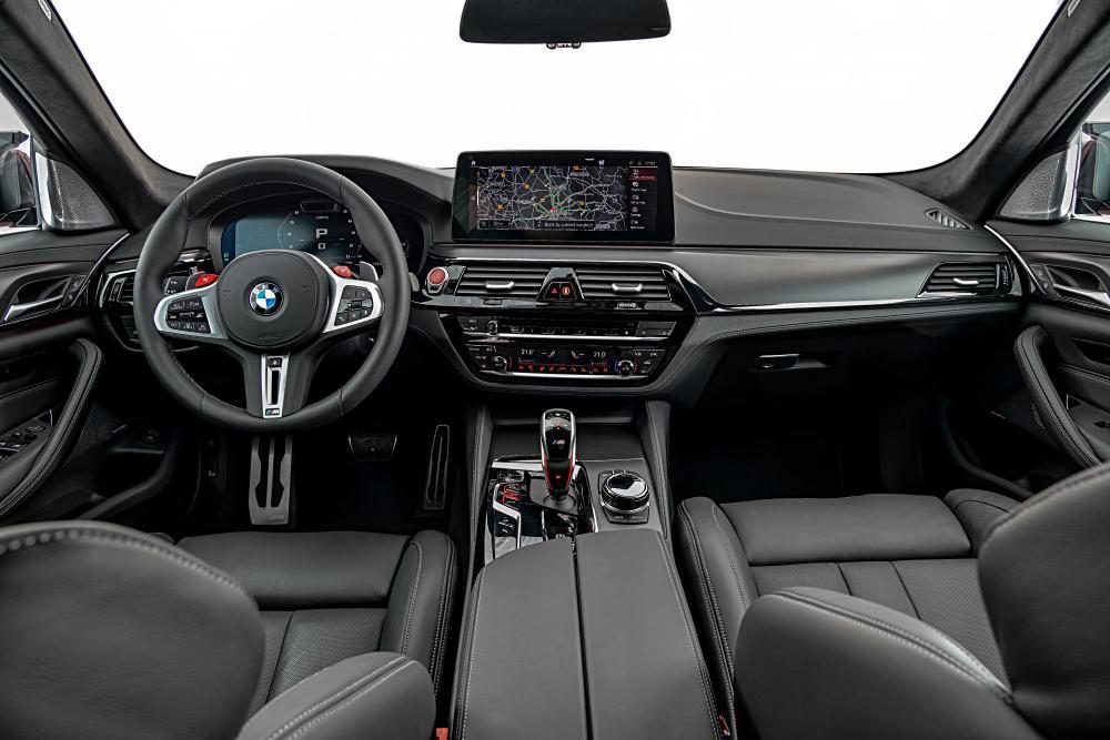 BMW M5 6 поколение F90 [рестайлинг] (2020) Седан интерьер