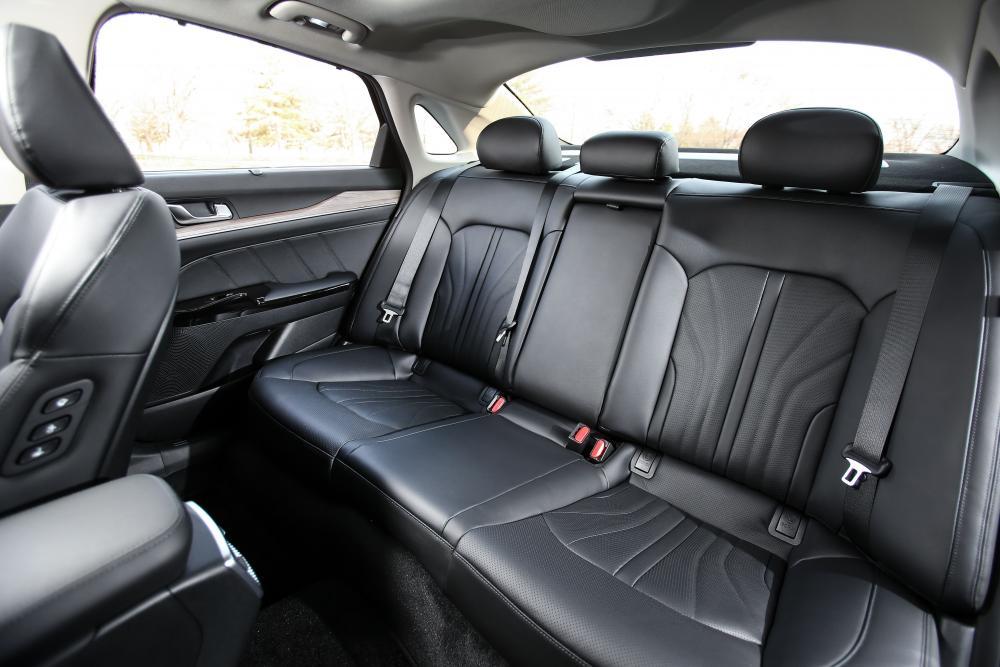 Kia K5 3 поколение (2020) Седан интерьер