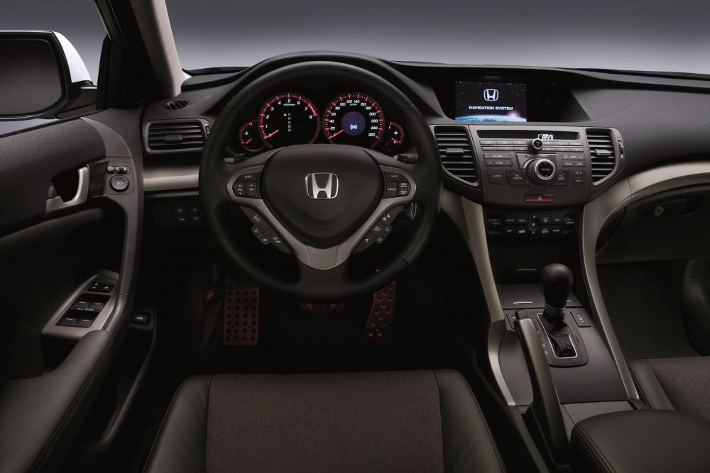 Honda Accord 8 поколение Седан Type-S интерьер