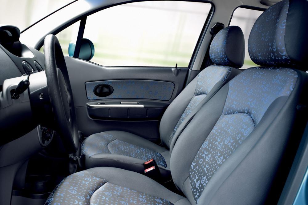 Chevrolet Spark 2 поколение M200 (2005-2010) Хетчбэк интерьер