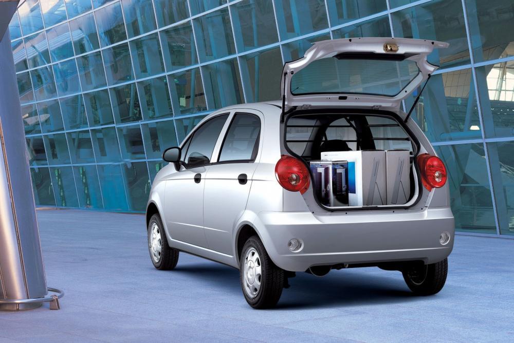 Chevrolet Spark 2 поколение M200 (2005-2010) Хетчбэк багажник