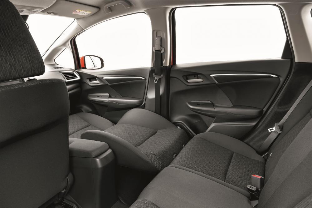 Honda Jazz 3 поколение Хетчбэк 5-дв. интерьер
