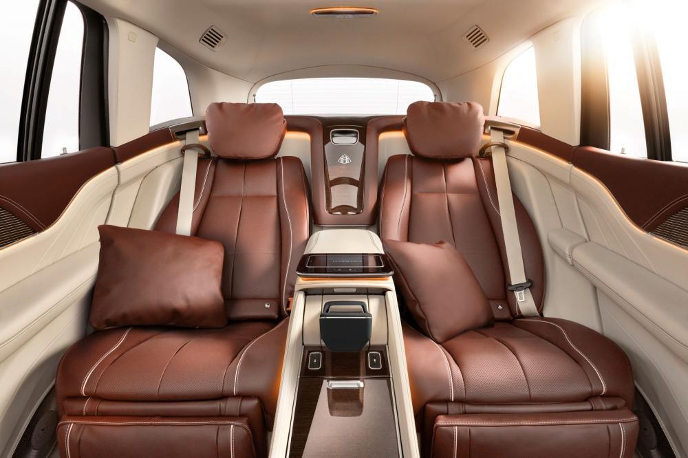 Mercedes-Benz Maybach GLS 1 поколение (2019) Внедорожник 5 дв. интерьер
