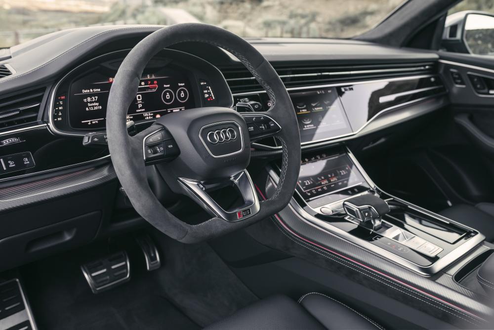 Audi RS Q8 1 поколение (2019) кроссовер интерьер