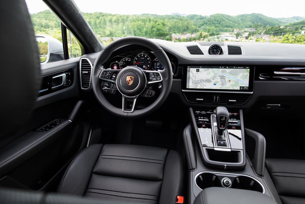 Porsche Cayenne Coupe 1 поколение (2019) Внедорожник 5 дв. интерьер