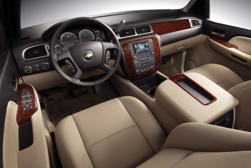 Chevrolet Tahoe 3 поколение GMT900 Внедорожник 5-дв. интерьер