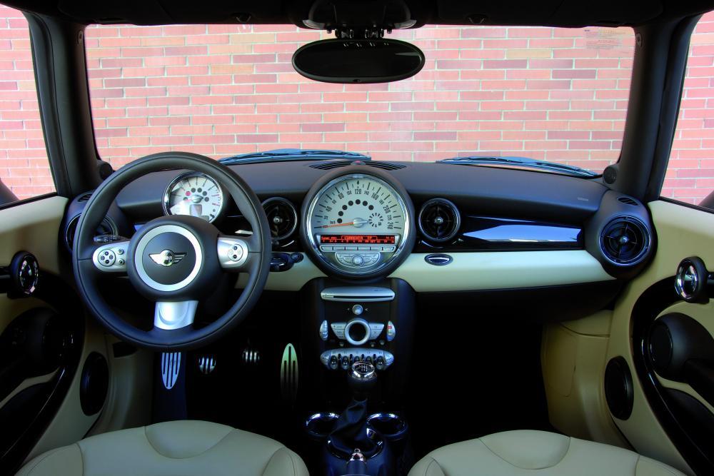 Mini Clubman 1 поколение Cooper S универсал 4-дв. интерьер