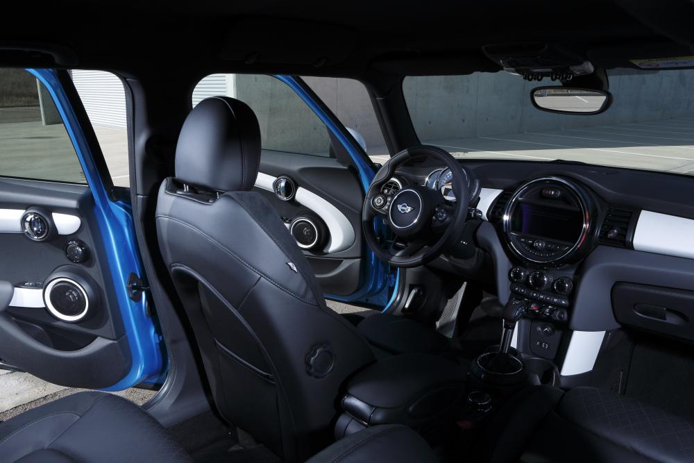 Mini Hatch F56 (2014) Хетчбэк 5-дв. Cooper S интерьер