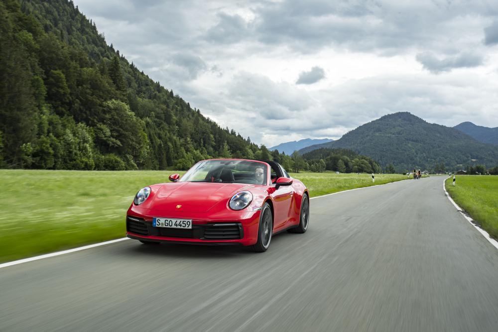 Porsche 911 8 поколение 992 (2019) Тарга
