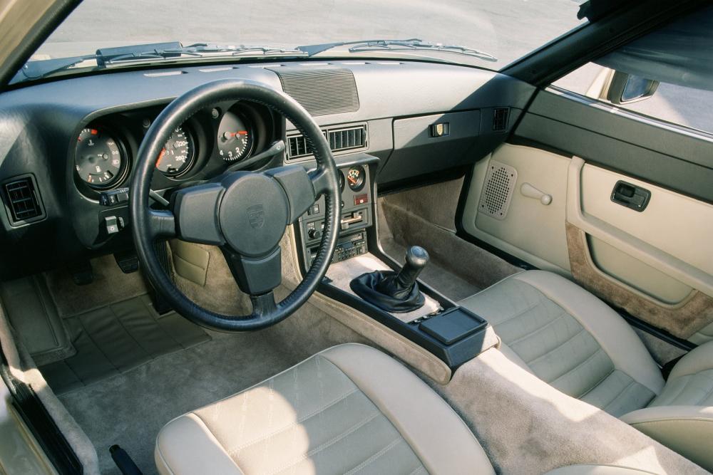 Porsche 924 1 поколение (1976-1988) Купе интерьер