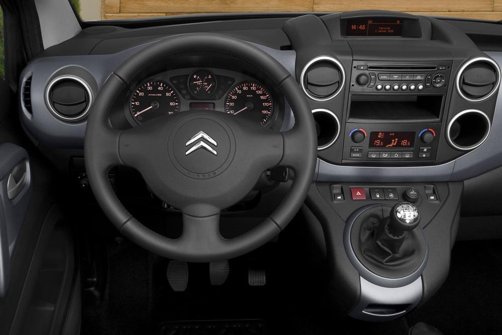 Citroen Berlingo 2 поколение Multispace Минивэн интерьер