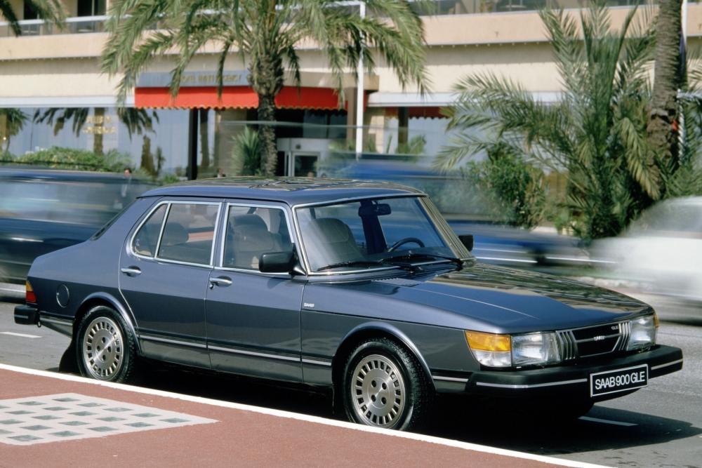 Saab 900 1 поколение Седан