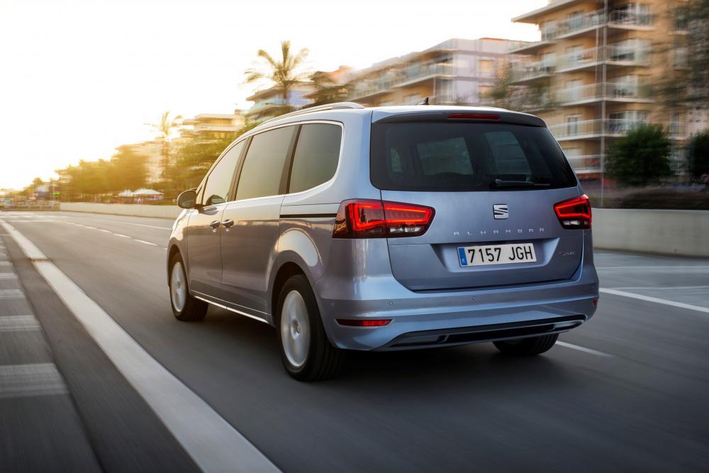 SEAT Alhambra 2 поколение рестайлинг Минивэн