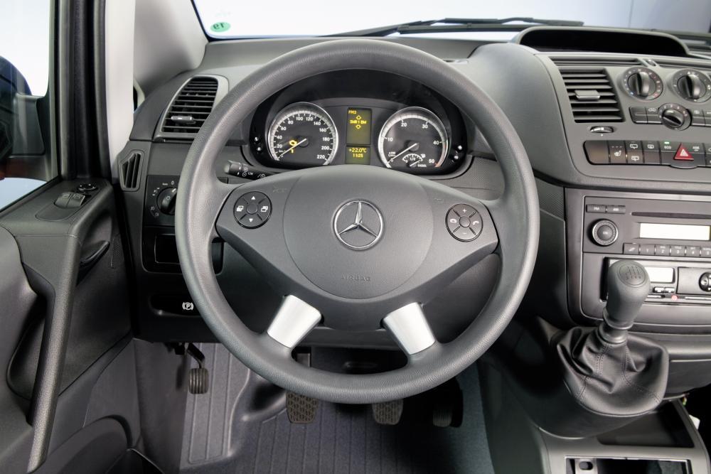 Mercedes-Benz Vito W639 рестайлинг фургон 2010