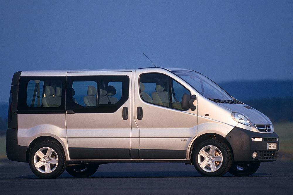 Opel Vivaro 1 поколение A (2001-2006) Минивэн