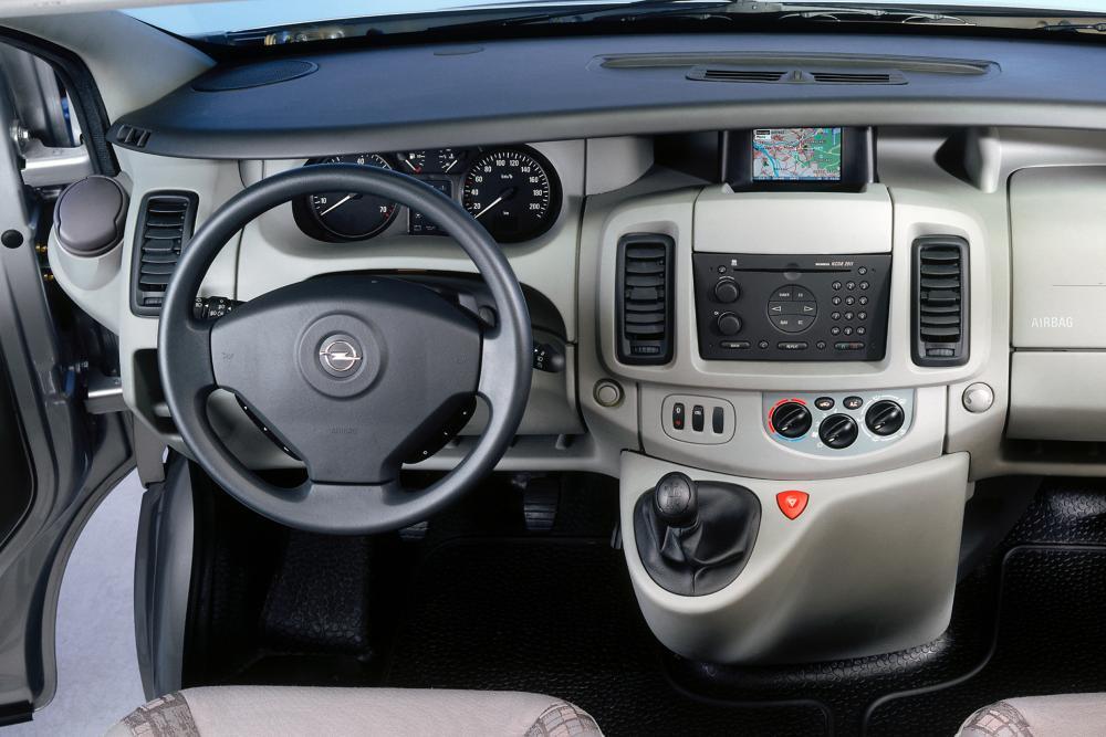 Opel Vivaro 1 поколение A (2002-2006) Фургон интерьер
