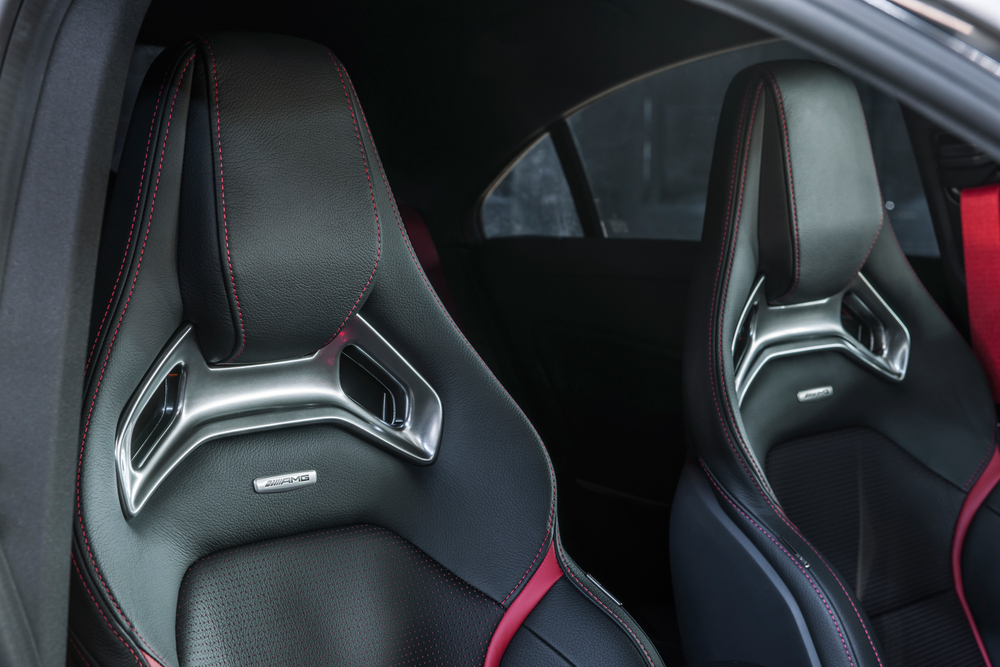 Mercedes-AMG CLA C117 (2013) Седан интерьер