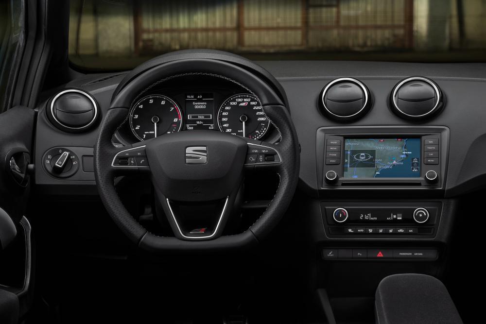 SEAT Ibiza Cupra 4 поколение рестайлинг интерьер