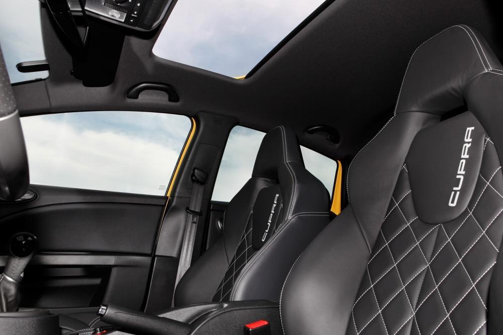 SEAT Leon Cupra 2 поколение рестайлинг Хетчбэк 5-дв. интерьер