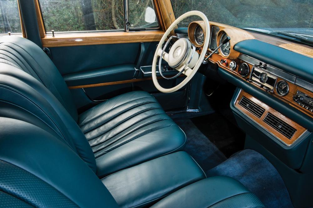 Mercedes-Benz W100 1 поколение (1964-1981) Седан интерьер
