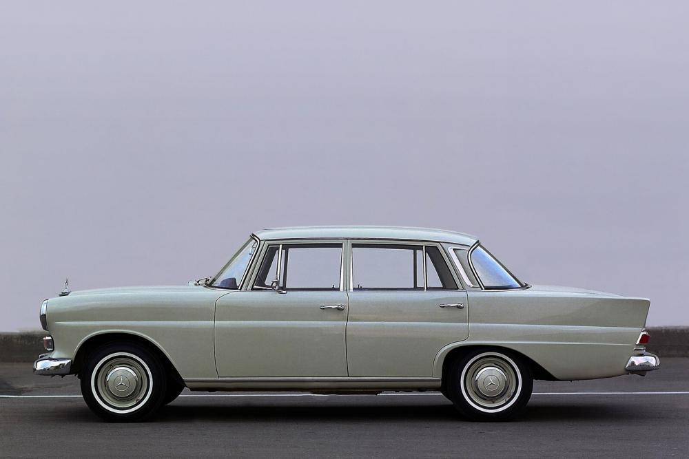 Mercedes-Benz W110 Second Series (1965-1968) Седан